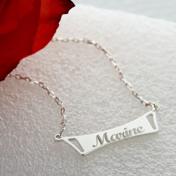Personalized engraved bar necklace